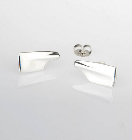 Stud earrings cleaver oar