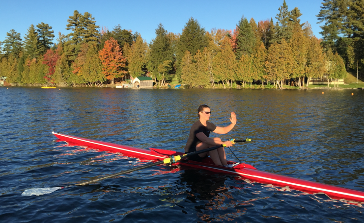 Confident sculling let go of handle at catch