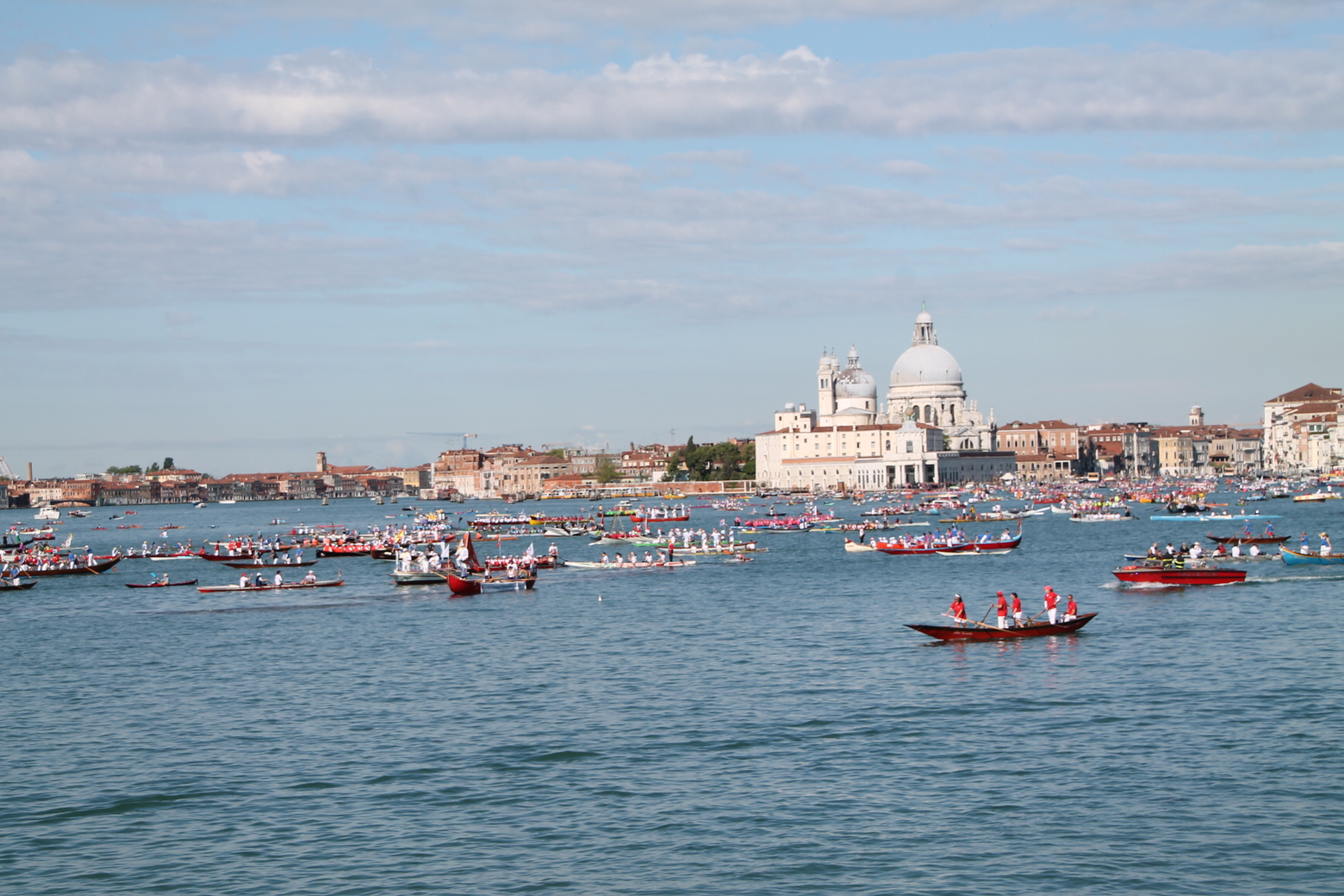rowing in venice