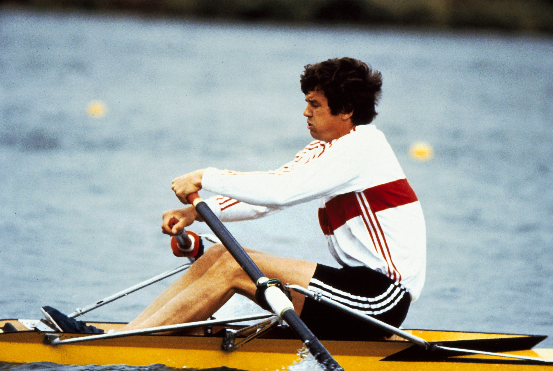 Peter Michael Kolbe sculling with poor hand positions